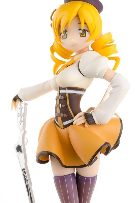 Madoka Magica Tomoe Mami Figure Banpresto Madoka Magica Figures UK Animetal Anime Figures UK Madoka Figures UK FREE UK Delivery Tomoe Mami Figures SQ