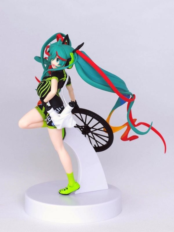 Vocaloid Racing Miku Figure Team Ukyo Banpresto SQ Figure UK Racing Miku 2016 Team Ukyo Vocaloid banpresto racing miku figure anime figures uk animetal