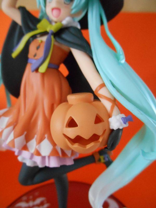 Vocaloid Hatsune Miku Figure Autumn Version Taito UK anime figures UK animetal