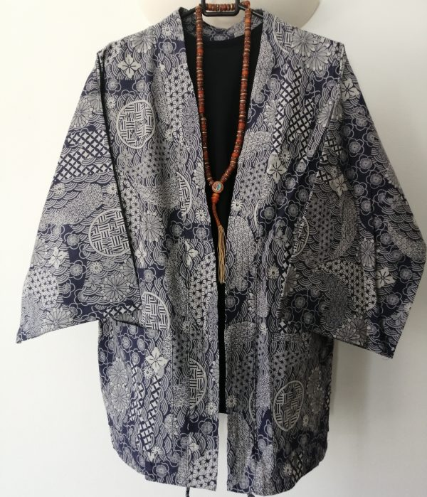 Navy Japanese Haori with Traditional Japanese Print UK Haori UK Japanese Haori UK Japanese Yukata UK Japanese clothing UK Japanese fashion UK animetal